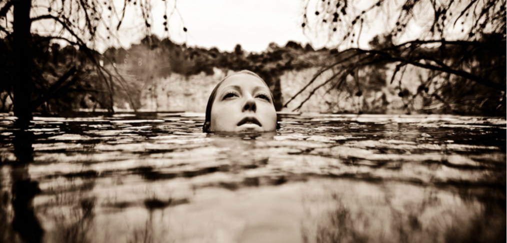 © Neil Craver woman underwater